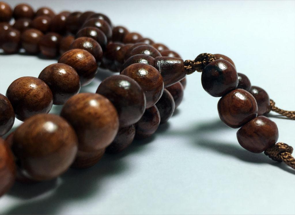 Chuỗi tràng hạt gỗ cẩm lai