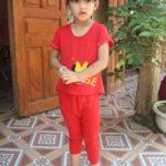 Bé 5 tuổi mắc bệnh phù chân voi với ánh mắt đáng thương